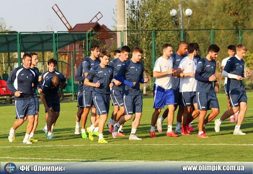 Олимпик провел тренировку перед игрой с Днепром